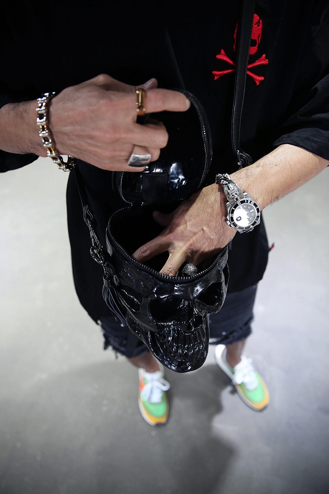 ByTheR Unisex 3D Skullhead Evil Enamel Realistic Skull Cross Bag Fashion
