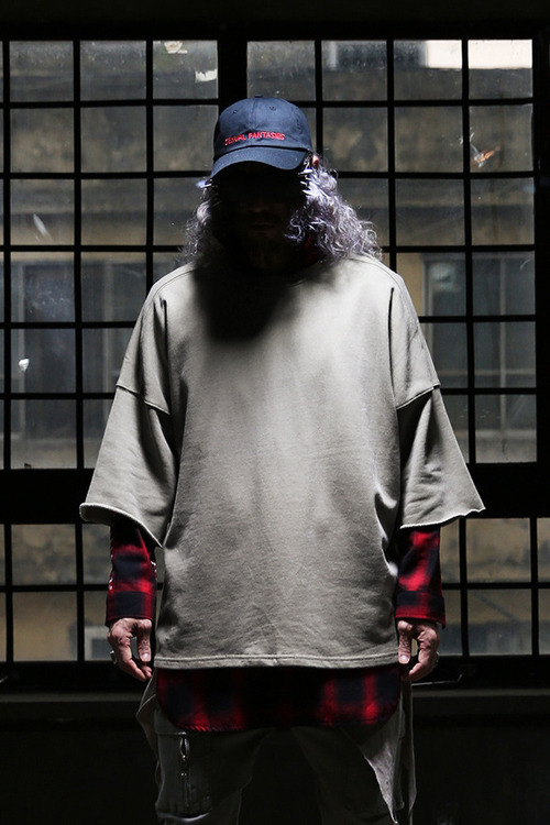 데끼 오버핏 7부 티셔츠